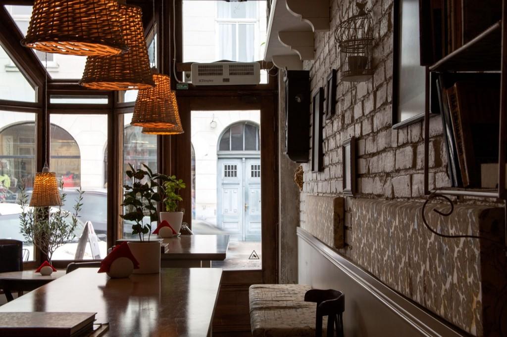 coffee-shop-393954_1280